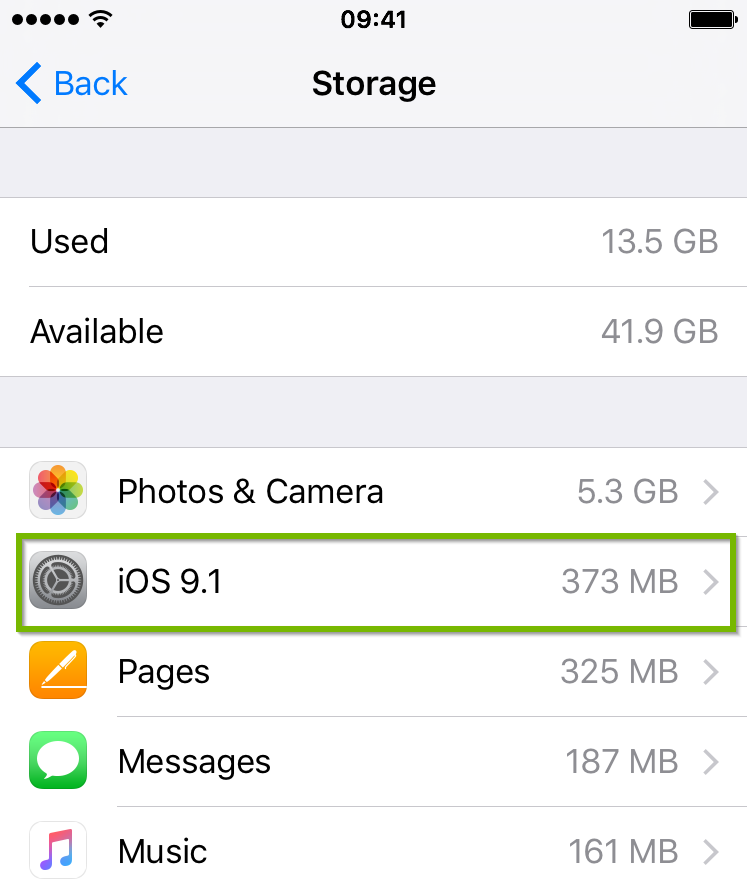 iOS Storage menu highlighting an iOS update entry.