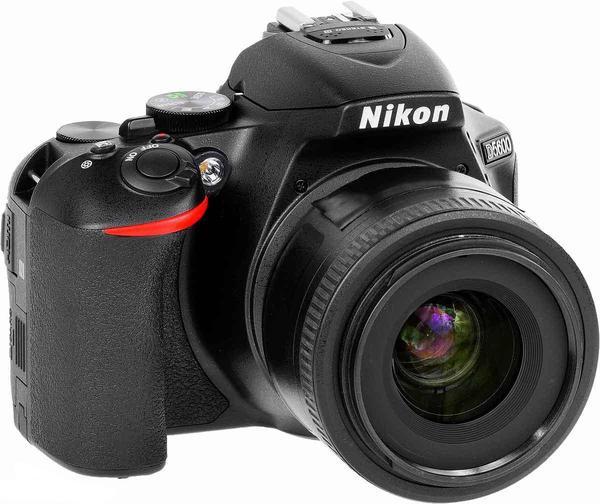 Nikon D5600.