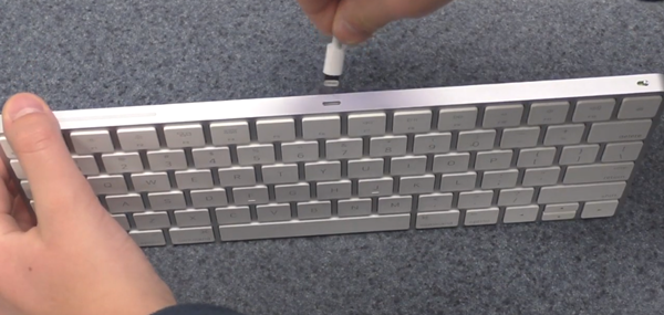Wireless keyboard being plugged in