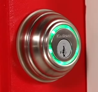 Picture of lock with green ring
