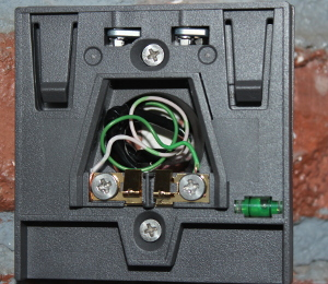 August Doorbell showing the built in level