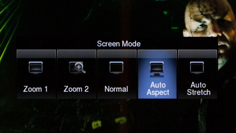 Common television stretch and screen zoom options.