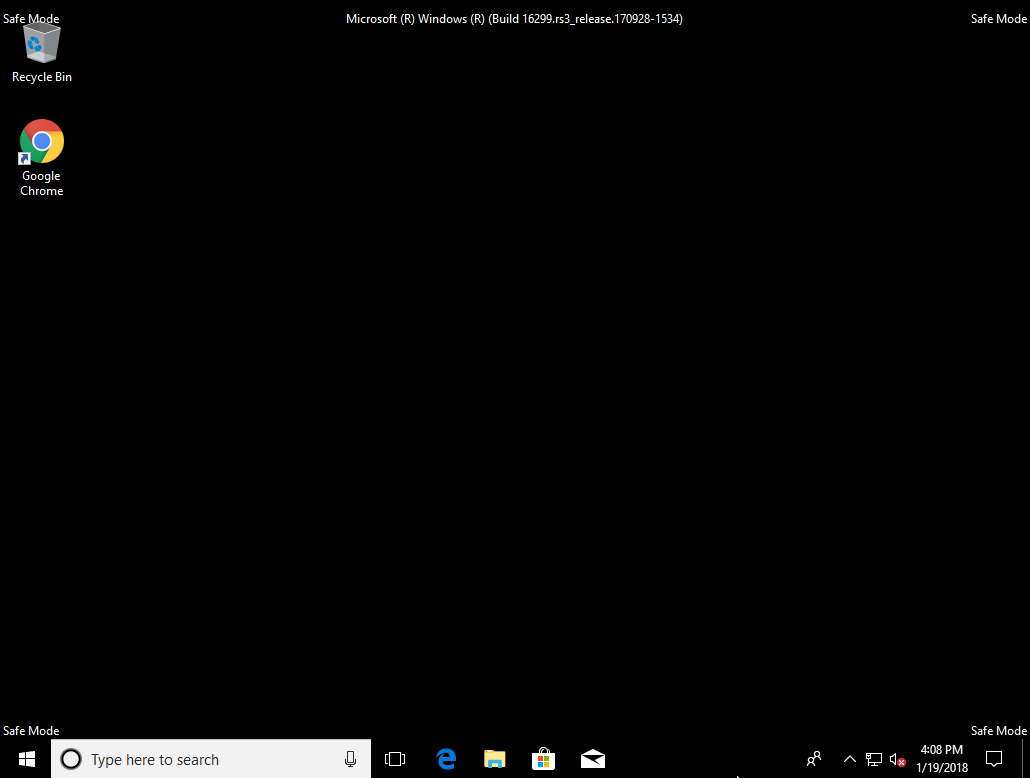 screenshot of windows safe mode desktop